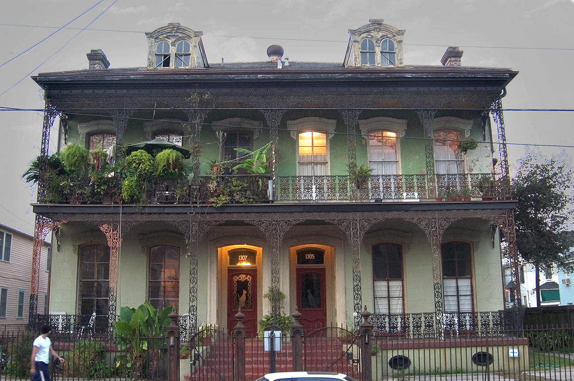 Conery-Byrnes house at 1307-1305 St.Andrew St. in...at evening. New Orleans, Louisiana