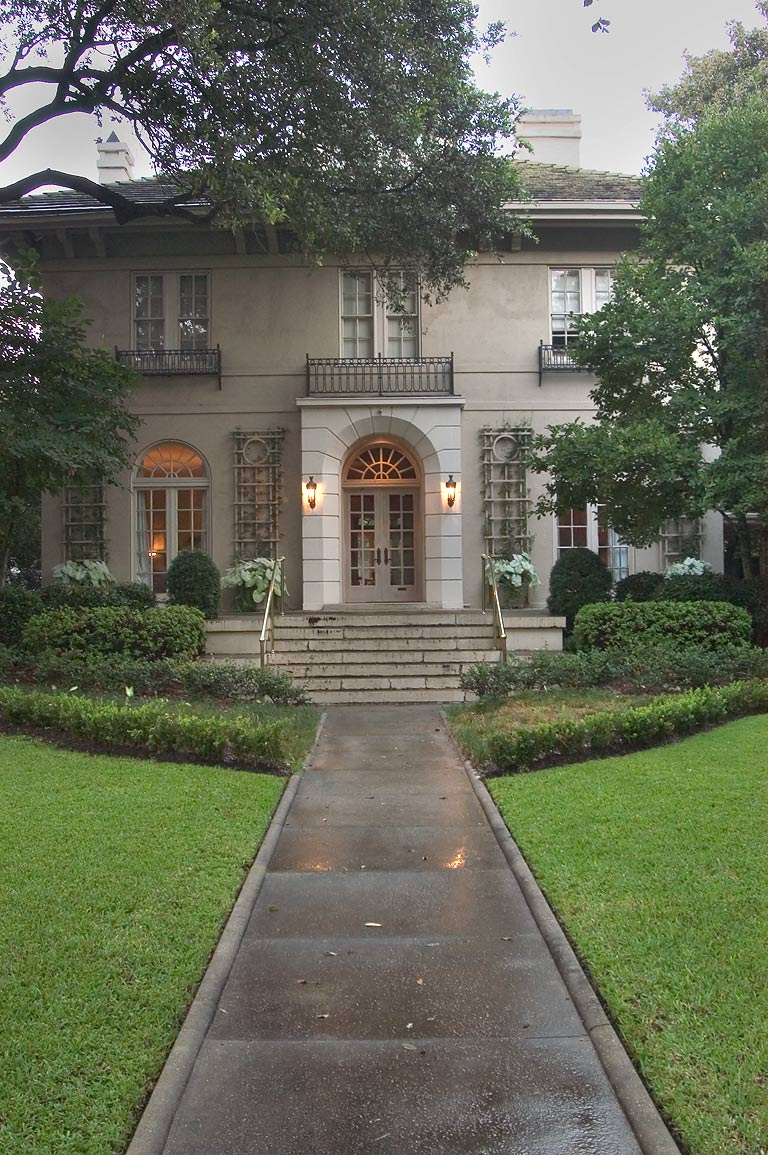 The Bentley House at 6149 St.Charles Ave., after rain. New Orleans, Louisiana