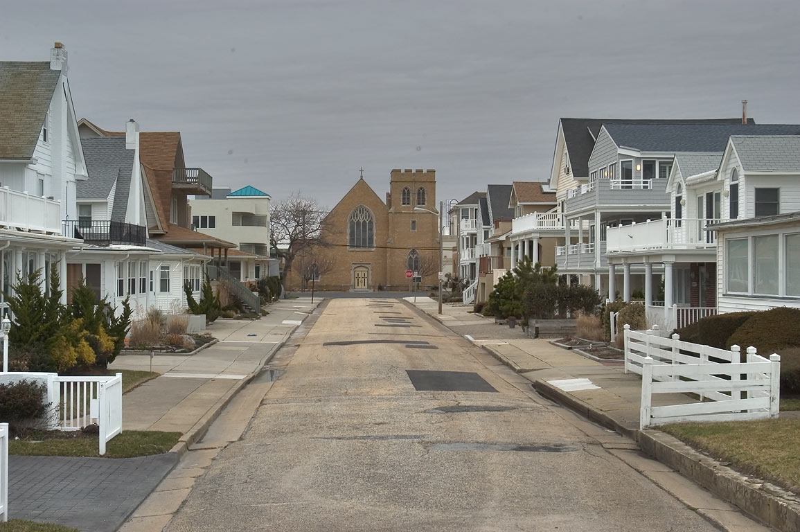 South Oxford Street in Ventnor City, view from the boardwalk. Atlantic City, New Jersey