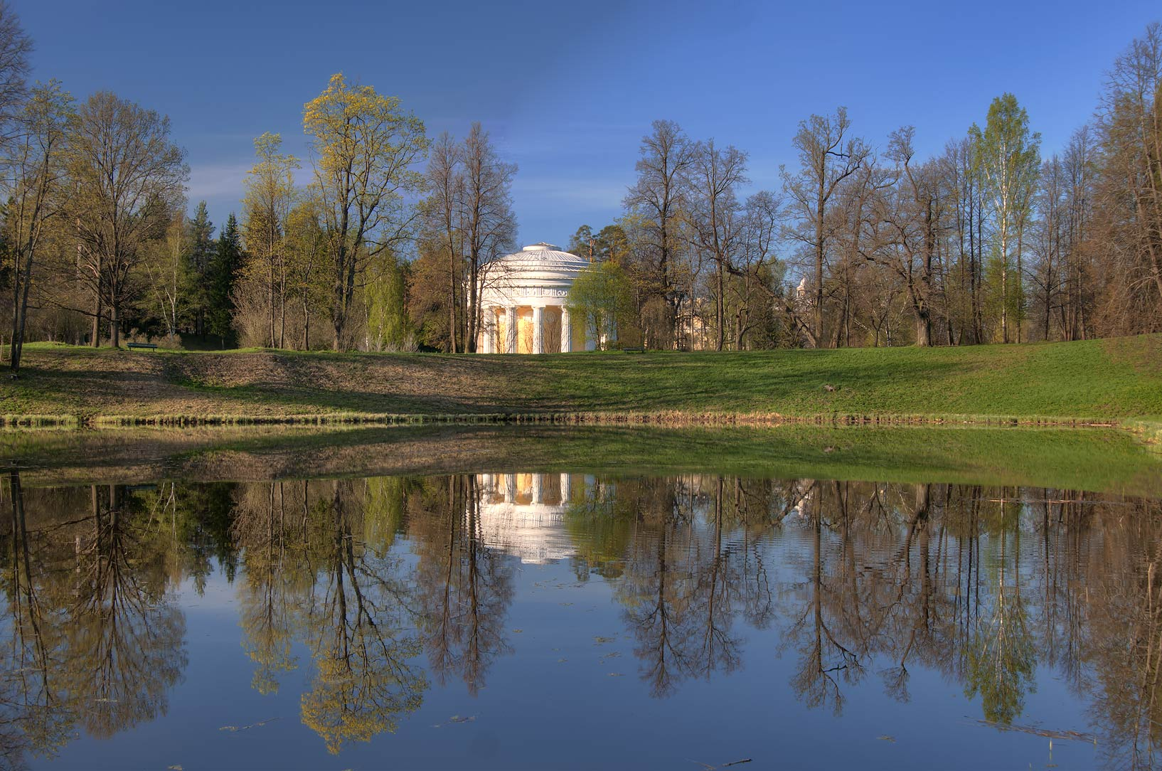 Round Pond in front of Friendship Temple. Pavlovsk, suburb of St.Petersburg, Russia
