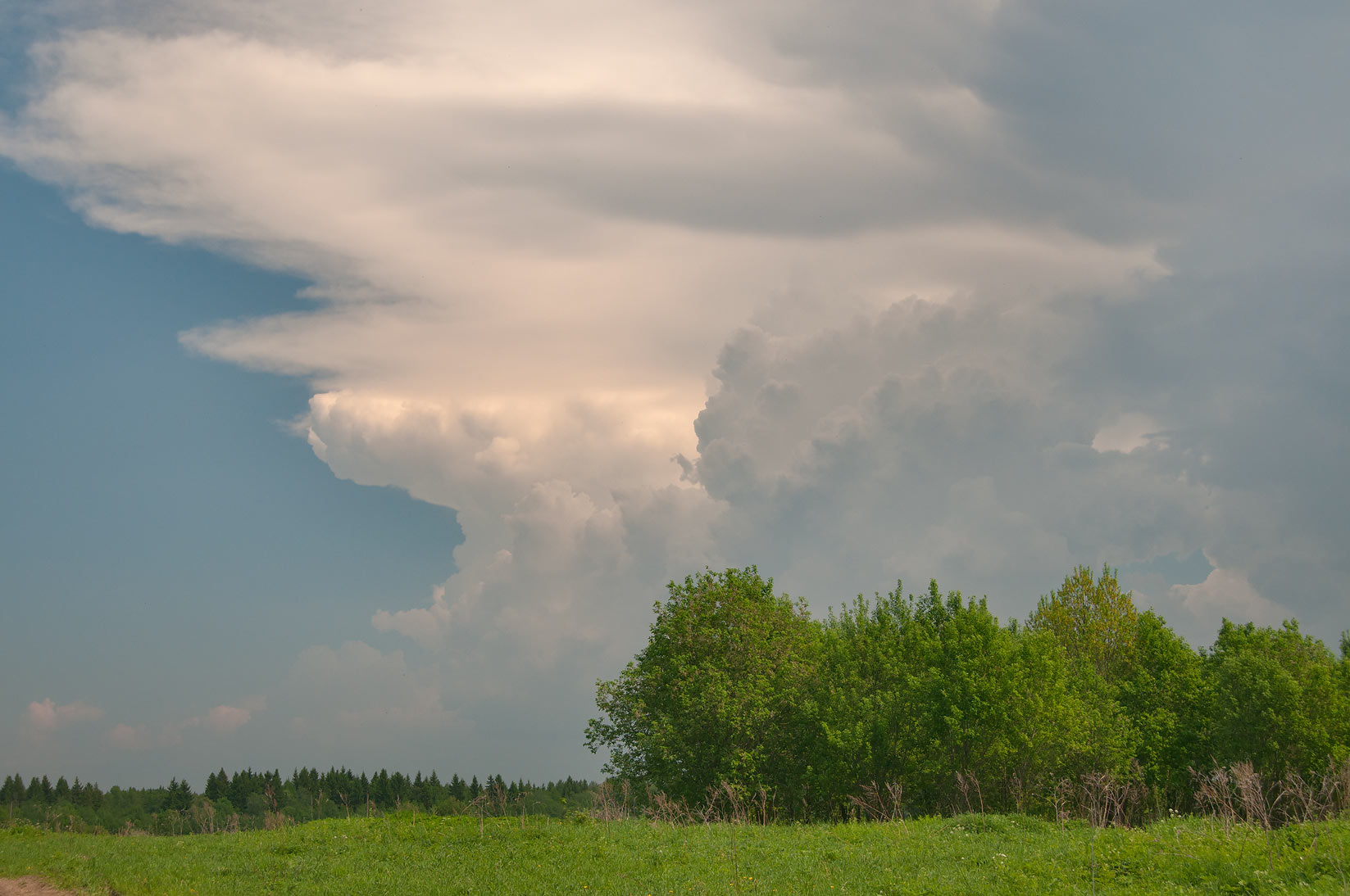 Emerging thunderstorm clouds in Zhiharevo, east from St.Petersburg. Russia