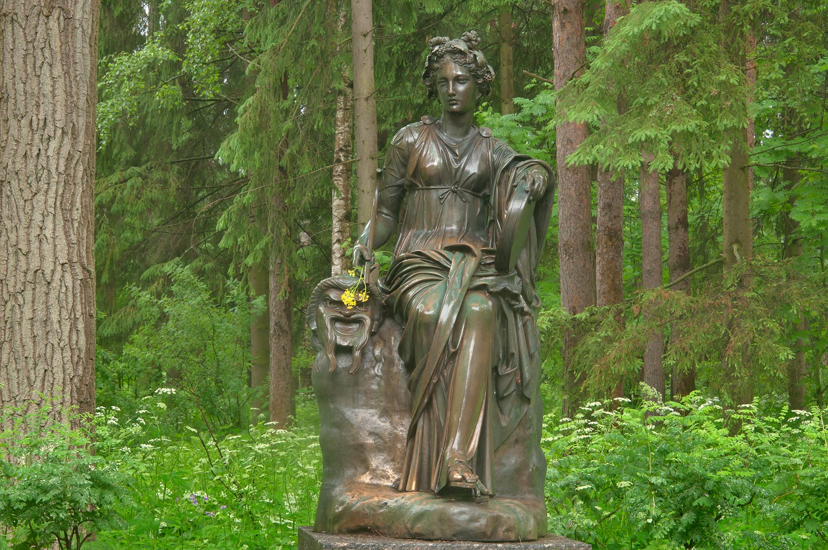 Thalia (muse of comedy) sculpture of Twelve Paths...a suburb of St.Petersburg, Russia