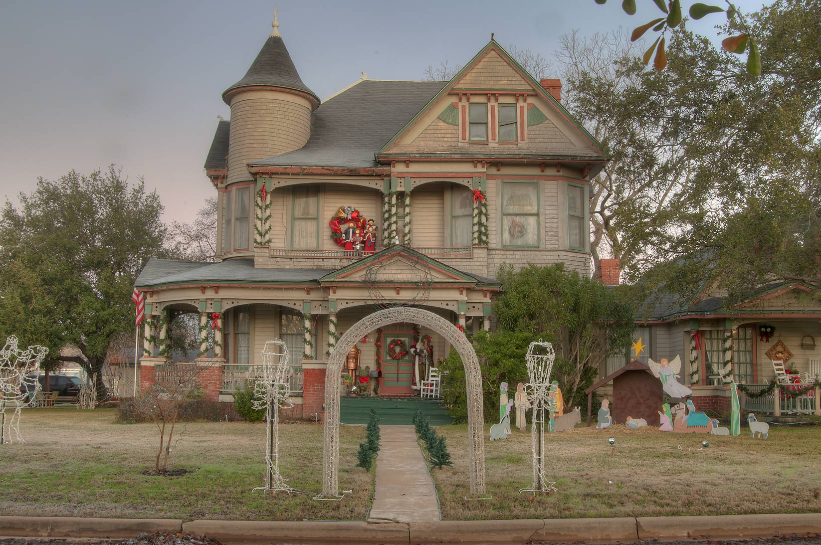 Christmas decorations of the Bird's Nest house...of South Pine streets. Calvert, Texas